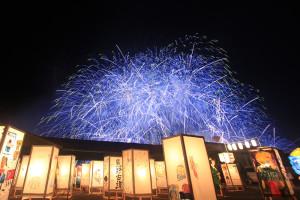街燈籠と花火